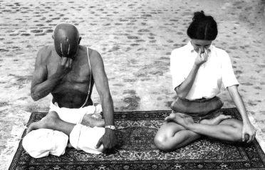 Sri sri krishnamacharya teaching Analoma Viloma Pranayama